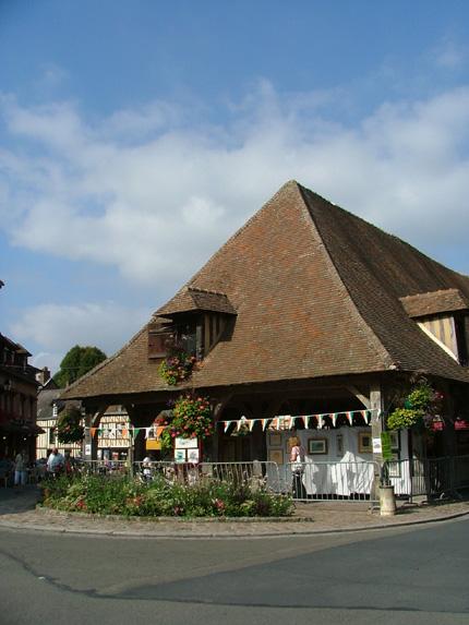 Les halles de Lyons-la-Forêt