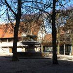 Place du tribunal à Pont-l'Evêque