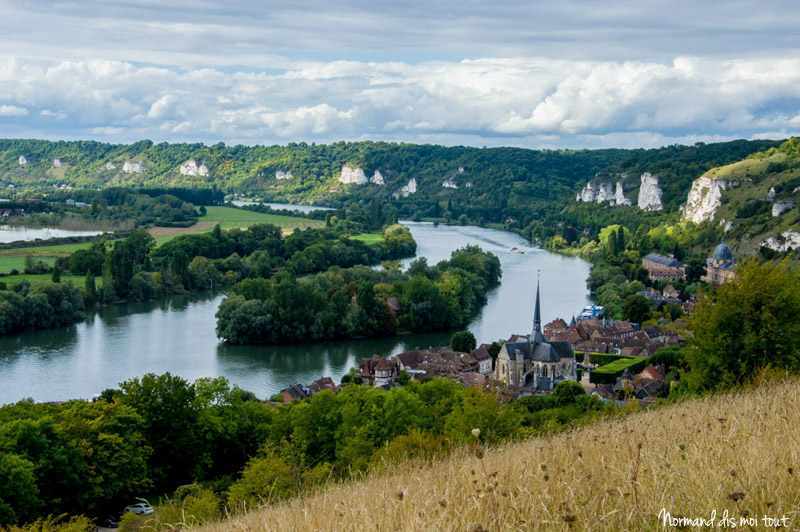 Les Andelys, la Seine et les falaises