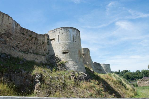 Le château de Guillaume le Conquérant et ses remparts