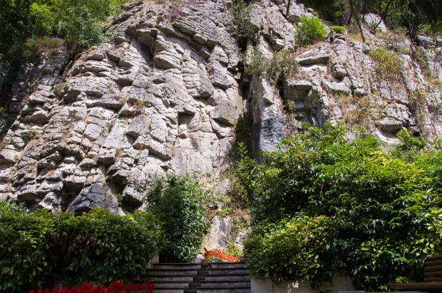 Rocher des thermes de Bagnoles-de-l'Orne