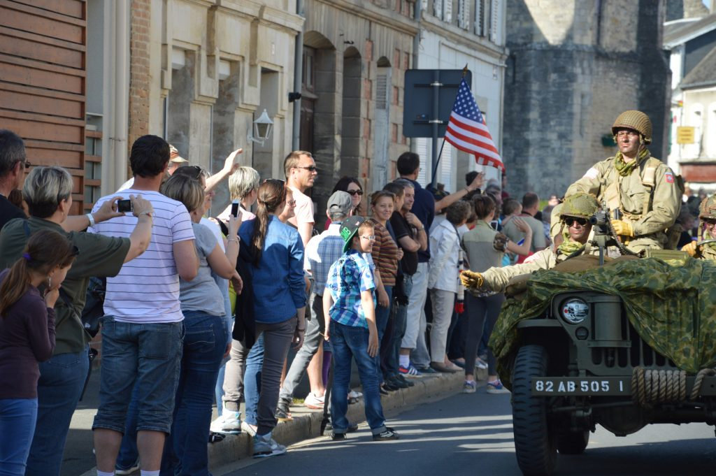 Défilé de véhicules militaires